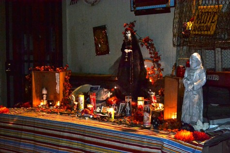 Public Day of the Dead altar on Burgunday St.